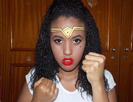 Maquiagem Mulher Maravilha pele negra